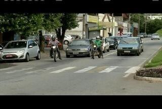 Homem de 89 anos é atropelado em cima da faixa de pedestre em Ipatinga - O motociclista não era habilitado.