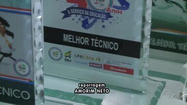 Projeto premiado revela talentos do judô - Atividade teve origem na Escola Theonilo Gama.