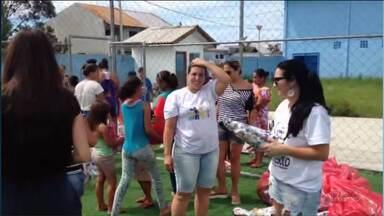 Crianças do litoral recebem brinquedos doados em campanha da RPC - 150 brinquedos foram entregues em Pontal do Paraná.