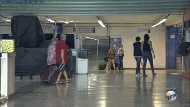 Rodoviária de Ribeirão Preto tem movimento tranquilo na manhã de segunda-feira (26) - Concessionária estima que 21 mil devem embarcar e desembarcar no terminal durante as festas de fim de ano.