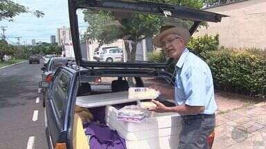 Para afastar a crise, caminhoneiro se torna vendedor de doces caseiros em Cajuru, SP - Conheça a história de Armezindo Rodrigues da Silva Filho.