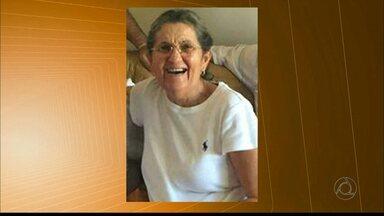 Empresária morta em assalto é enterrada em Campina Grande - Célia Márcia Santos Cirne, de 69 anos, foi sepultada neste domingo (25). Vítima foi baleada durante assalto no Centro de Campina Grande no sábado.