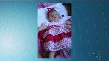 Bebê morre asfixiado no sofá de casa, em Linhares, ES - Menina tinha quatro meses e foi colocada para dormir no sofá.Perícia apontou asfixia por ingestão de leite.