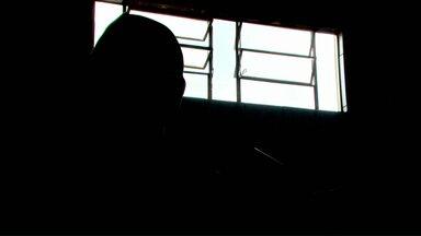 Assaltos assustam comerciantes em Cascavel - Polícia orienta como prevenir ação de assaltantes.