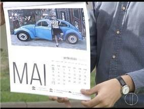 Fotógrafo de Ipatinga realiza ensaio com apaixonados por fuscas - Fotógrafo criou um calendário com as imagens