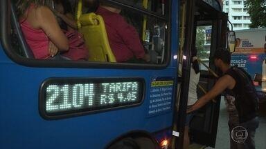 Aumento da tarifa de ônibus gera reclamação entre passageiros em Belo Horizonte - O preço da passagem médio subiu 9,04%, sendo que a predominante passou de R$ 3,70 para R$ 4,05, um aumento de 9,45%.