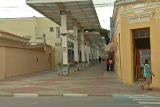 Prefeito de Guararema promete retomar decoração de Natal - Desafio do prefeito consiste em conciliar interesse dos comerciantes e moradores da cidade.