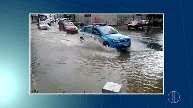 Chuva desta quinta-feira (12) provoca pontos de alagamento em Nova Friburgo, no RJ - Defesa Civil registrou 25 mm de chuva no Centro.