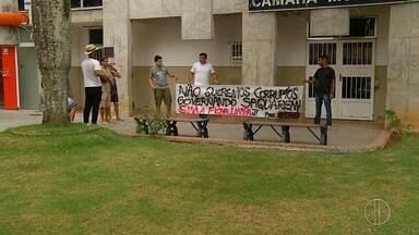Vereadores revogam 'Lei da Ficha Limpa' em Saquarema, no RJ - Projeto havia sido aprovado no fim do ano passado.