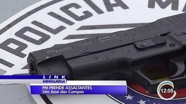 Dois homens foram presos enquanto assaltavam casa em São José - Eles usavam armas de brinquedos.