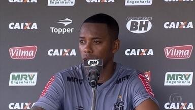Robinho fala de especulações que esteve envolvido e garante que foco é no Galo - Jogador analisou especulações de que poderia deixar o Atlético-MG