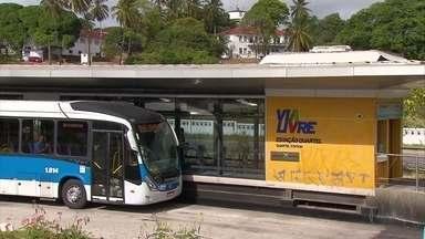 Suspeito morre em tentativa de assalto a BRT - Outro suspeito ficou ferido durante o crime.