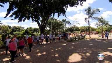 15ª edição do Projeto Caminhar começa neste fim de semana - Primeira praça será a da Liberdade, na Região Centro-Sul de Belo Horizonte. Evento incentiva a prática de atividades físicas e também oferece palestras e exames de saúde de graça.