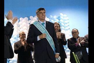 Sérgio Serra recebe a faixa de presidente do Paysandu - Sérgio Serra recebe a faixa de presidente do Paysandu