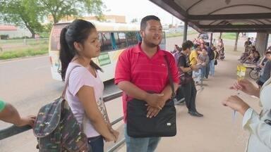 Em Macapá, estudantes reclamam de limitação no embarque de ônibus - Todo estudante tem direito a meia passagem em ônibus. Mas por dia o número de viagens com o uso do passe é limitado.