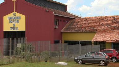 Vereador de Quedas do Iguaçu toma posse em penitenciária onde está preso - Cinco vereadores participaram da cerimônia.