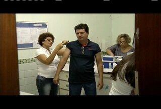 Valadares recebe 20 mil doses de vacina contra febre amarela - Segundo secretaria, 99% da população recebeu uma dose entre 99 e 2001.
