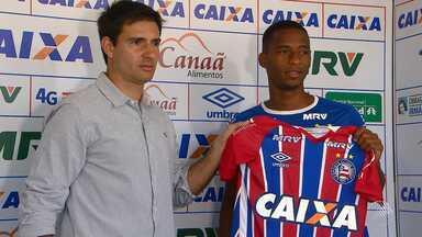 Bahia apresenta meio-campo Matheus Sales - O jogador chega ao tricolor por empréstimo do Palmeiras.