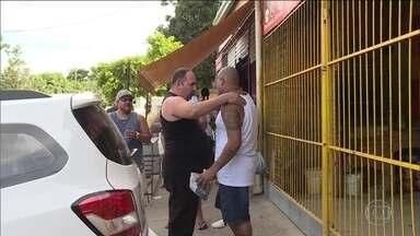 Justiça do Rio solta 19 dos 26 corintianos presos em Bangu - Eles estavam presos desde o o tumulto no jogo contra o Flamengo, em outubro do ano passado.
