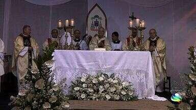 Arcebispo de Aracaju Dom Lessa comemora 75 anos de vida - Missa celebra os 75 anos do Arcebispo de Aracaju Dom Lessa.