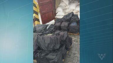 Alfândega do Porto de Santos apreende 590 quilos de cocaína - Operação foi feita em conjunto com a Polícia Federal. A droga estava dentro de um contêiner.