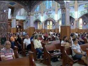 Fiéis participam de missas em celebração a São Sebastião - Primeira missa ao padroeiro de Prudente foi às 8h.