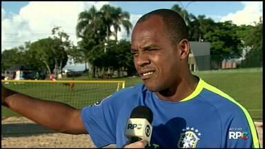 Seleção Brasileira de Beach Soccer já está em Foz - Os treinos da seleção de futebol de areia começam amanhã, às 8h30, na arena montada no Gramadão da Vila A.