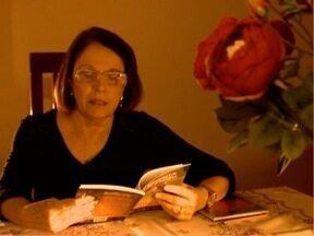 Emília de Matos Maltempi traz o mundo da poesia para o 'Entre Nós' - Ela começou a escrever há 17 anos e não parou mais.