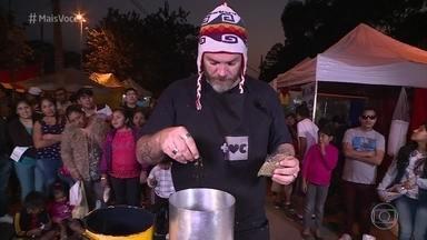 Jimmy faz Risoto de Quinoa com ingredientes típicos da Bolívia - Bolivianos aprovam receita do cozinheiro ogro!