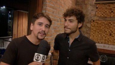 Bruninho e Davi mostram bastidores do lançamento de DVD no quadro 'Repórter por 1 Dia' - Dupla Bruninho e Davi mostra bastidores do lançamento de DVD no quadro 'Repórter por 1 Dia'