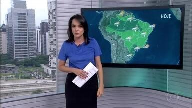 Previsão é de chuva para grande parte do país nesta quarta-feira (1) - A previsão é de chuva em qualquer hora do Amazonas até o Piauí e de boa parte de São Paulo até o Rio Grande do Sul. Tempo seco no norte de Roraima e do litoral do Rio de Janeiro até o Espírito Santo.