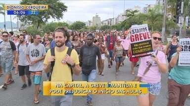 Greve é mantida e deve afetar início das aulas em Florianópolis - Greve é mantida e deve afetar início das aulas em Florianópolis