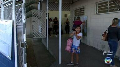 Aulas na rede municipal de ensino de Sorocaba começam nesta quarta-feira - Depois de quase uma semana sem abastecimento de água, hoje as crianças vão poder finalmente ir pra escola. Começam já as aulas na rede municipal de ensino de Sorocaba.