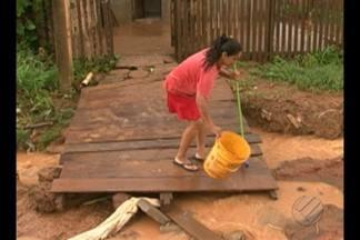 Moradores de Altamira sofrem com o período de chuvas na região - As casas são invadidas pela água da chuva devido os alagamentos