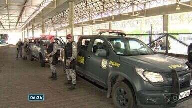 Mesmo com a presença do exército nas ruas do ES, população não se sente segura - Os soldados da Força Nacional receberam orientação e já estão fazendo a patrulha.