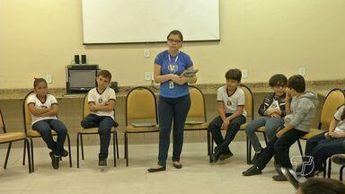 Psicóloga fala sobre o bullying nas escolas - Lei de combate ao bullying e cyberbullying completa um ano.