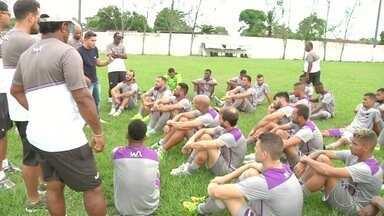 Campos Atlético realiza treinamento para enfrentar Bonsucesso - Paquetá vai jogar pelo Moto Clube por empréstimo.