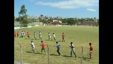 J.A. Ideias fala sobre a pré-temporada dos times de futebol da Região Central, RS - Inter SM e São Gabriel vão jogar a divisão de acesso do campeonato gaúcho. Já o Riograndense vai jogar a terceira divisão.