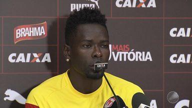 Zagueiro Kanu pode voltar a jogar em partida do Vitória contra o América de Natal - Partida acontece no sábado (11), no estádio do Barradão.