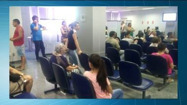 Clientes reclamam de filas em Agência bancária de Campina Grande - Pessoas disseram que chamaram o Procon.