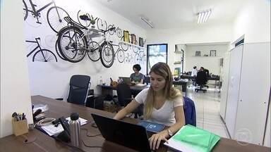 Pequenas Empresas & Grandes Negócios - Edição de 12/02/2017 - Dois em cada três jovens brasileiros pretendem abrir um negócio nos próximos anos. Este número faz parte de um estudo que comparou o comportamento de jovens empreendedores do Brasil com o de outros países. O resultado dessa pesquisa é dos destaques deste domingo.