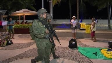 Fuzileiros navais já ocupam o Rio em medida preventiva para evitar eventuais desordens - Nove mil integrantes das Forças Armadas vão reforçar o policiamento para os próximos dias, em uma ação preventiva. O governo diz que nada está fora da ordem.