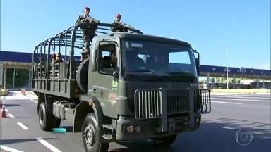Tropas federais chegam ao Rio para reforçar patrulhamento nas ruas - A Operação Carioca vai contar com nove mil homens das Forças Armadas.