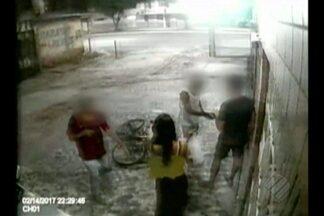 Câmeras de segurança flagram ação de assaltantes em Belém - Crime aconteceu na noite da última terça-feira, 14.