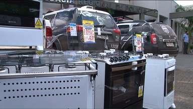 Fogões roubados são encontrados em loja de Dois Vizinhos - O dono da loja foi preso e vai responder por receptação.