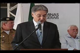 Governador Fernando Pimentel participa de cerimônia para entregar viaturas em Uberaba - Ao todo, 51 veículos foram entregues. Nesta sexta-feira (17), Pimentel participa da entrega de Uberlândia.