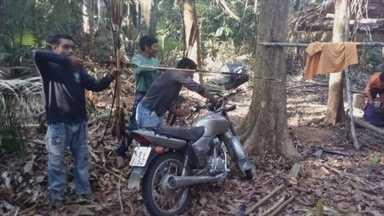 Índios expulsam homens que invadiram reserva ambiental - Terra dos Uru-Eu-Wau-Wau foi invadida esta semana.