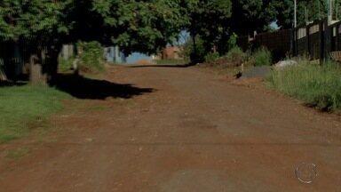 MSTV confere compromissos assumidos pela prefeitura em Campo Grande - Nesta sexta-feira, o Tereré do Cabral foi conferir os compromissos assumidos pela prefeitura em relação a demandas de dois bairros de Campo Grande, o Copafé e o Portal Caiobá.