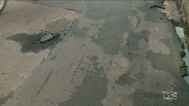 Moradores reclamam de falta de infraestrutura nas ruas em bairro em São José de Ribamar - Qualidade do asfalto que acabou de ser feito está sendo questionada pelos moradores do bairro Parque Vitória.