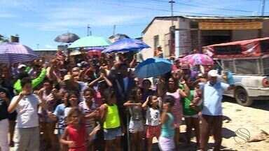 Notícia sobre desocupação provoca protesto no loteamento Nova Liberdade - Notícia sobre desocupação provoca protesto no loteamento Nova Liberdade.